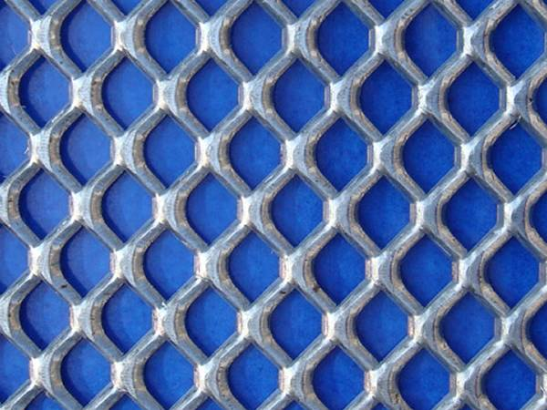 Heavy duty expanded aluminum metal sheet with diamond holes
